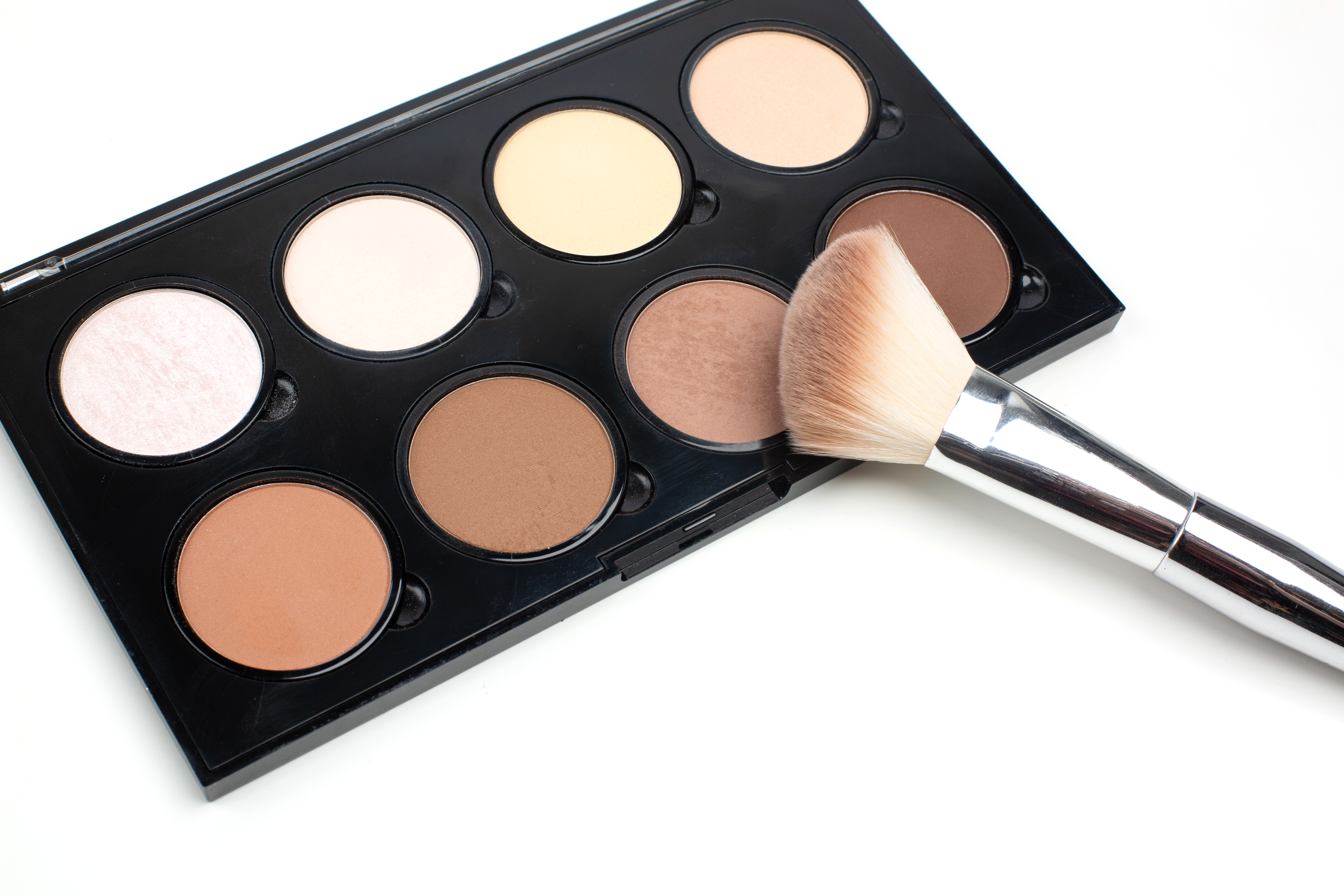 contour brush placed on top of contour palette