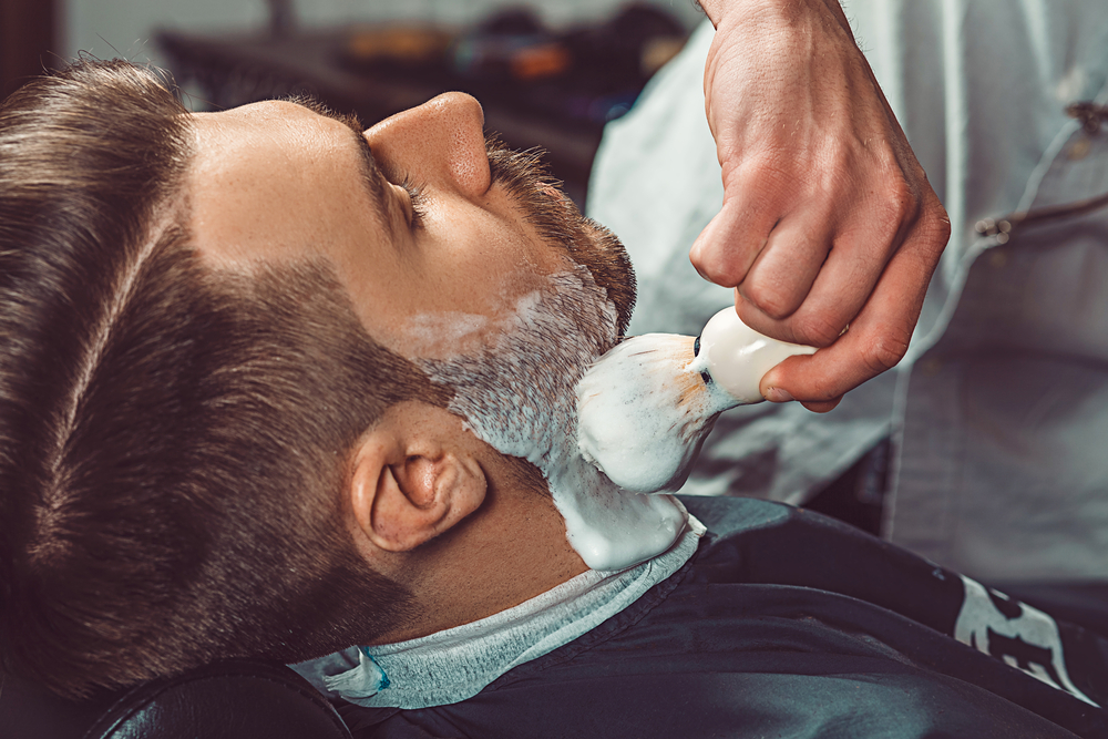 barber working with client
